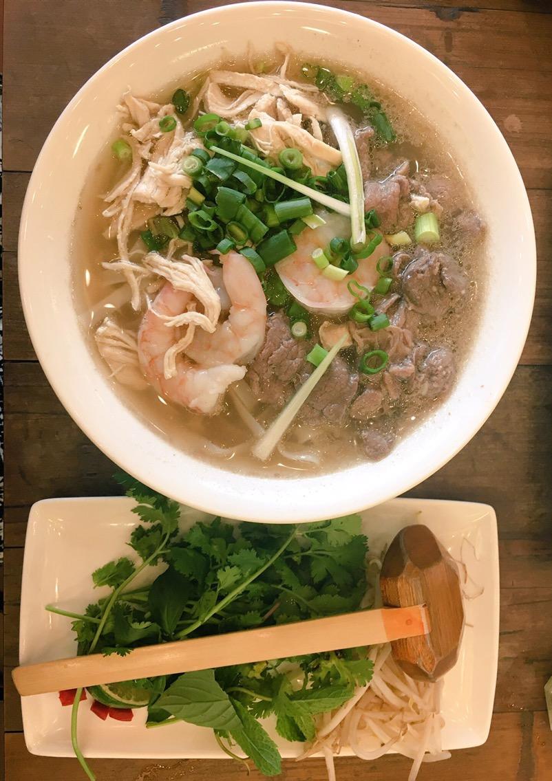 Vietnamese street food @ Pho